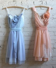 baby blue and peach bridesmaids dresses by Armour sans Anguish