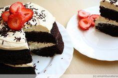 chocolate cake with mascarpone cheese and strawberries #yummy