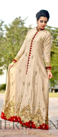 Pakistani dress. uploaded by Fatimah Hayat.