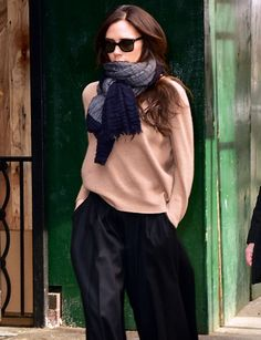 Victoria Beckham, we're SO into these pant & shoe combo, but aren't your ankles cold?
