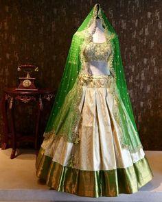 Latest Mehendi Designs for Hands & Legs - Happy Shappy Half Saree Designs, Blouse Designs Silk, Choli Designs, Lehenga Designs, Indian Attire, Indian Outfits, Pakistani Outfits, Indian Wear, Half Saree Lehenga