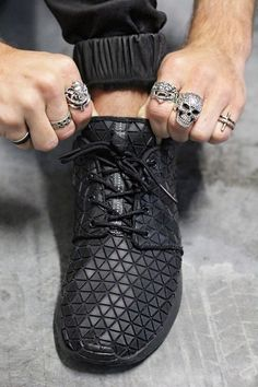 black rubber shoe