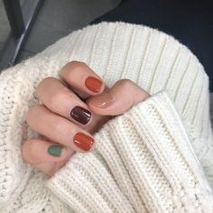 Nail art Christmas - the festive spirit on the nails. Over 70 creative ideas and tutorials - My Nails Fall Nail Designs, Nail Polish Designs, Cute Nails, Pretty Nails, Hair And Nails, My Nails, Nagel Hacks, Fall Nail Art, Fall Nails