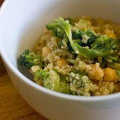 Quinoa Salat mit Kichererbsen und Bohnen
