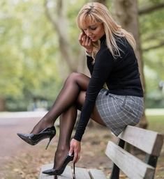 Pantyhose Outfits, Pantyhose Heels, Stockings Heels, Sexy Legs And Heels, Sexy High Heels, Great Legs, Nice Legs, Sexy Outfits, Cool Outfits