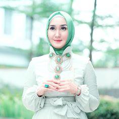 Dian Pelangi  @dianpelangi Instagram photos | Websta Modest Fashion, Hijab Fashion, Fashion Outfits, Womens Fashion, Kebaya Dress, Hijab Dress, Kids Outfits, Cool Outfits, Hijab Collection
