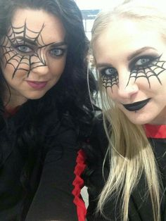 Looking for for ideas for your Halloween make-up? Browse around this website for unique Halloween makeup looks. Halloween Eyes, Halloween Makeup Looks, Easy Halloween, Halloween Costumes, Spider Costume Kids, Halloween Stuff, Maquillaje Halloween 2018, Maquillage Halloween Simple, Spider Web Makeup
