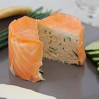 Charlotte with two salmon from Laurent and Valérie – The most beautiful recipes Fish Recipes, Meat Recipes, Seafood Recipes, Gourmet Recipes, Cooking Recipes, Gourmet Foods, Super Dieta, Tapas, Steak Dinner Sides