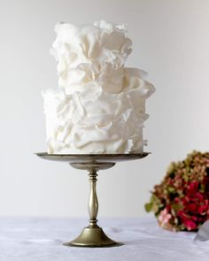 Woah - how elegant is this cake creation? ✨ ⠀⠀⠀⠀⠀⠀⠀⠀⠀ We can't help but crush on this masterpiece by one of our favourite Melbourne-based cake makers, 💘 ⠀⠀⠀⠀⠀⠀⠀⠀⠀ Head to the HOORAY! Vendor Guide to see more magic! Naked Wedding Cake, Fondant Wedding Cakes, Black Wedding Cakes, Elegant Wedding Cakes, Elegant Cakes, Beautiful Wedding Cakes, Wedding Cake Designs, Beautiful Cakes, Gold Wedding
