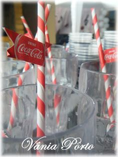 Festa Anos 60... O fundo desses copos piscam