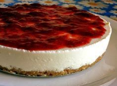 Raw Food Recipes, Sweet Recipes, Dessert Recipes, Cheese Cake Light, Cheesecake Tradicional, Easy Desserts, Delicious Desserts, Mini Desserts, 3 Ingredient Cookies