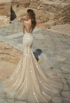 Israeli-based bridal designer Dany Mizrachi has taken the styles we love and know and incorporated his own unique twist for his fall/winter 2017 collection.