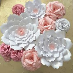 "192 Likes, 2 Comments - Flower Shower (@itstheflowershower) on Instagram: ""Cute order #paperflowers #handmade #floresdepapel #hechoamano #decor #paperflowersbackdrop #paper…"""