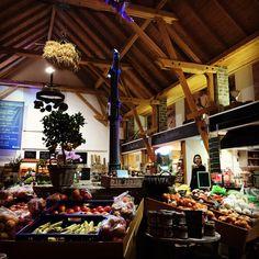 Neben ganz vielen anderen Dinge ist das Schöne an Bonn, dass es im nahen Umland eine ganze Menge gute Einkaufsmöglichkeiten außerhalb von Supermärkten gibt. Die sogenannten Hofläden. Frisch, region…
