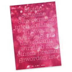Postkarte Glitzer Sprüche aus Karton 300 Gramm  weiß - Das Original von Mr. & Mrs. Panda.  Diese wunderschöne Postkarte aus edlem und hochwertigem 300 Gramm Papier wurde matt glänzend bedruckt und wirkt dadurch sehr edel. Natürlich ist sie auch als Geschenkkarte oder Einladungskarte problemlos zu verwenden. Jede unserer Postkarten wird von uns per hand entworfen, gefertigt, verpackt und verschickt.    Über unser Motiv Glitzer Sprüche  Die schönsten Sprüche, Weisheiten, Zitate, Reime, Witze…