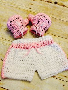 Baby boxer set, crochet baby girl boxing gloves set, 3/6 month prop, photo prop on Etsy, $50.00