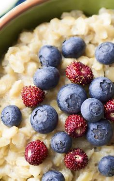 Start Your Cholesterol-Reducing Meal Plan With Whole Grains and Fresh Fruit