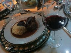 Medalhão + Risoto + Vinho Bordeaux para harmonizar.