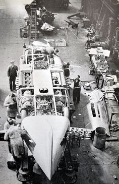 "1937 - George Eyston's ""Thunderbolt"" a Six Wheeler Designed for Bonneville Salt Flats. Cadillac, Automotive Engineering, Speed Racer, Vintage Race Car, Car And Driver, Drag Racing, Fast Cars, Blue Bird, Landing"