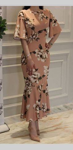 Look at this Trendy traditional african fashion 4614827745 Trendy Dresses, Cute Dresses, Beautiful Dresses, Casual Dresses, Formal Dresses, Dresses With Sleeves, Jw Mode, Mode Top, Modest Fashion