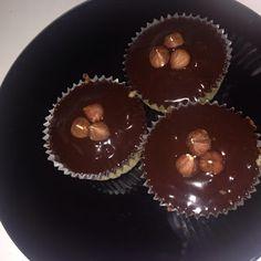 Schoko-Karamell - Cupcakes Muffin, Breakfast, Food, Caramel Cupcakes, Recipies, Morning Coffee, Essen, Muffins, Meals