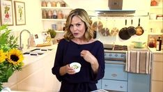 With our survey revealing of woman noticed a change in their skin during menopause and felt less attractive, health and wellbeing expert Liz Earle has offered up her tips to look and feel better. Good Healthy Recipes, Menopause, Health And Wellbeing, Beauty Make Up, Lorraine, Getting Old, Feel Better, That Look, Health Fitness