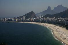 Foto de 1bertoteski - Rio de Janeiro - Brasil. Praia de Copacabana vista do Forte do Leme.