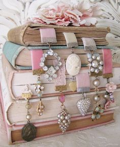 i heart shabby chic: spring pastel decor for 2012 - I hang jewelry everywhere, but never thought of books! Pastel Decor, Pastel Room, Pastel Colors, Decoration Shabby, How To Make Bookmarks, Diy Bookmarks, Ribbon Bookmarks, Creative Bookmarks, Marque Page