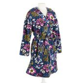 Best robe ever!! It's like being wrapped in the best blanket ever but without it falling off! Hooded Fleece Robe in Cheery Blossoms | Vera Bradley