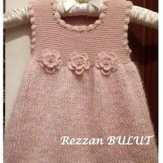 Baby Girl Dress Patterns, Doll Clothes Patterns, Clothing Patterns, Knit Baby Dress, Knitted Baby Clothes, Layette Pattern, Baby Girl Items, How To Purl Knit, Baby Sweaters