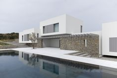 Paros House is a minimal home located in Paros, Greece, designed by John Pawson. Minimal Architecture, Modern Architecture House, Facade Architecture, Residential Architecture, Amazing Architecture, Minimal House Design, Minimal Home, Fachada Colonial, Paros