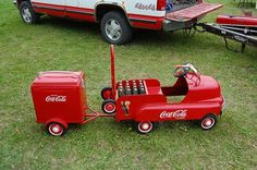 This is a Real Nice Coca Cola pedal car & Trailer. now just need to find a Pepsi version. Coca Cola Ad, Always Coca Cola, Pepsi, Antique Toys, Vintage Toys, Vintage Signs, Car Jokes, Car Trailer, Trailers