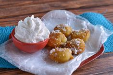 There doesn& have to be a fair going on for you to enjoy a delicious mouthful of funnel cake. County Fair Funnel Cake Bites are a fun way capture everything you love about your favorite county or state fair dessert. Deep Fried Desserts, Just Desserts, Dessert Recipes, Desserts Frits, Funnel Cake Bites, Funnel Cakes, The Best, Food And Drink, Cooking Recipes