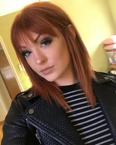 haar pony Mein Make-up sah gestern ver - haar Medium Hair Styles, Short Hair Styles, Hair Medium, Short Straight Hair, Straight Across Bangs, Short Auburn Hair, Medium Auburn Hair, Copper Hair, Ginger Hair