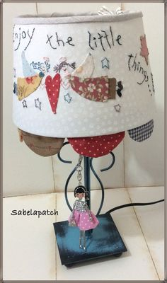 Country Lamps, Country Decor, Silk Ribbon Embroidery, Embroidery Applique, Diy And Crafts, Crafts For Kids, Handmade Lampshades, Embroidery Techniques, Lamp Shades