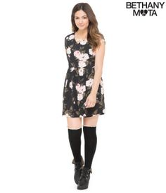 Big Roses Dress: need to buy a dress or two to try and force myself to be cute