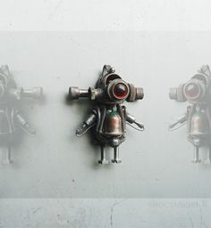 Scanic- Robot pendant (found objects)