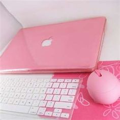 Pink Mac and mouse