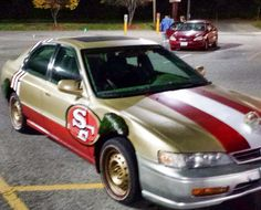 This decked out 49ers car though