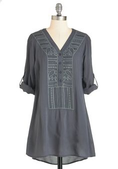 Pottery Perfection Top. Youre dressed to kiln when you sit behind the potters wheel in this grey tunic! #grey #modcloth