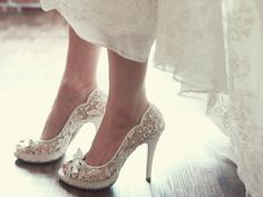 bridal shoes, lace shoes, dress shoes, wedding shoes, ribbon shoes