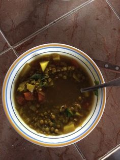Sopa de lentejas con papas