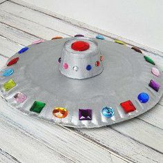It came from outer space... But before that, it came from the cupboard, using up those extra paper plates! #kidcrafts