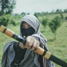 Hijab Niqab, Hijab Chic, Beautiful Muslim Women, Beautiful Hijab, Hijabi Girl, Girl Hijab, Arab Girls, Muslim Girls, Hijab Jeans