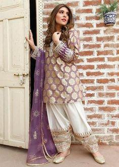 Party Wear Indian Dresses, Pakistani Fashion Party Wear, Pakistani Wedding Outfits, Fancy Dress Design, Bridal Dress Design, Stylish Dress Designs, Stylish Dresses For Girls, Simple Dresses, Casual Dresses