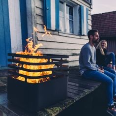 Patio Accessories - With summer just around the corner, many consumers are stocking up on patio accessories that will transform their outdoor space into a enticing ent. Cubes, Diy Trend, Cool Fire Pits, Patio Accessories, Open Fires, Higher Design, Summer Evening, Foyer, Design Inspiration