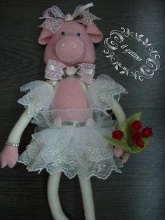 Chantal - świnka baletnica z filcu 100%wełna