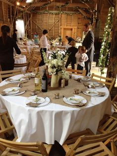 Very gorgeous paper tablecloths for weddings are special for wedding ceremonies or wedding receptions. http://tablecoversdepot.com/paper-tablecloths-for-weddings-as-alternative-opt-for-table-cover/