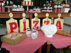 """Detalhes da mesa principal.  A festa de 2 anos do Lorenzo foi com o tema: """"Pizza…"""