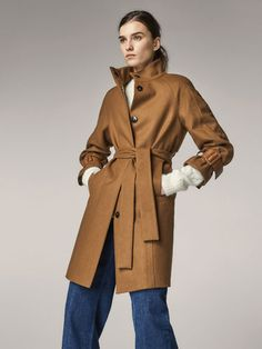 Fall Winter 2017 Women´s WOOL COAT WITH BUCKLE DETAIL at Massimo Dutti for 229. Effortless elegance!